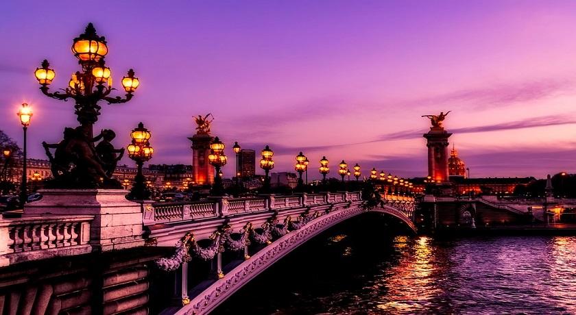 تور پاریس مرکز هنر و زیبایی