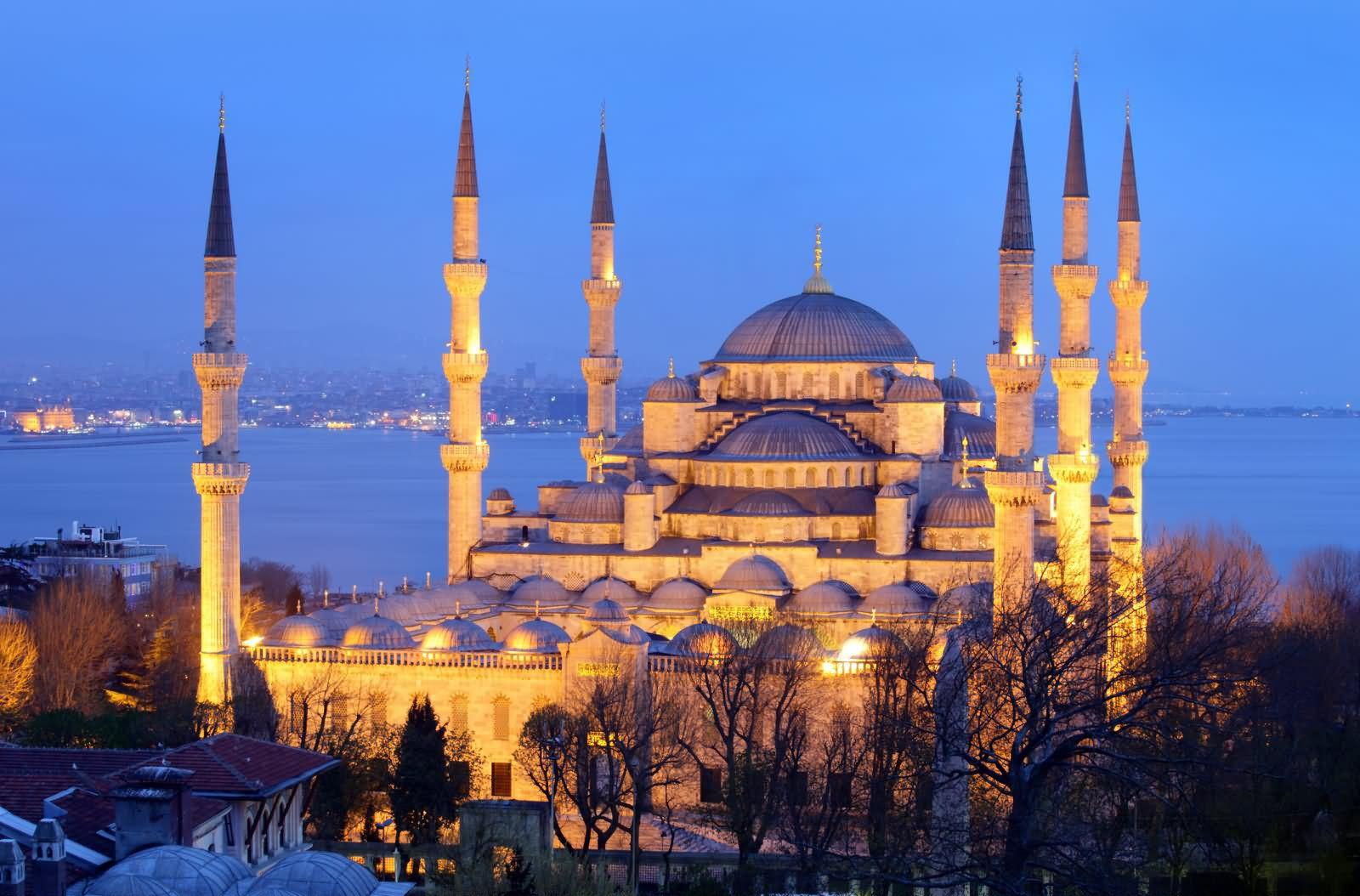 تور استانبول ویژه دی ماه 98