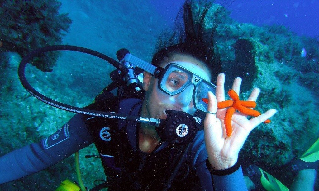 69 | غواصی در کیش ؛ بهترین تفریح آبی جزیره کیش | سایت های غواصی در کیش | لیست قیمت + نقشه و آدرس | تورگردان