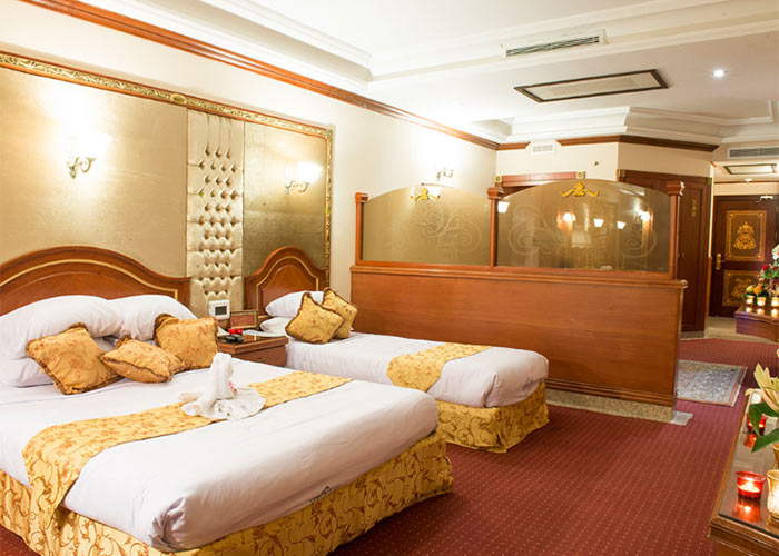 تور مشهد از تهران هتل قصر طلایی