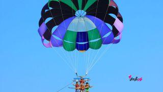 پرواز بر فراز مروارید خلیج فارس با چتر پاراسل کیش
