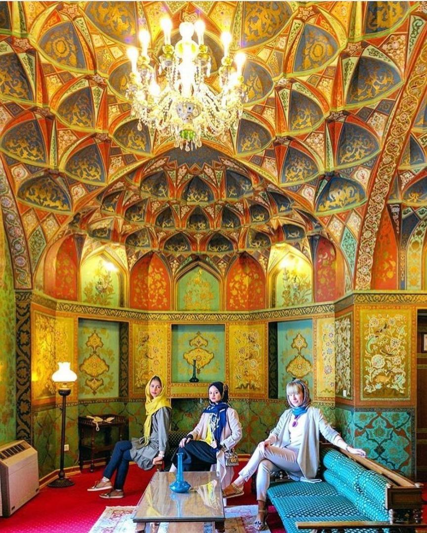 جاهای دیدنی اصفهان. هتل عباسی اصفهان