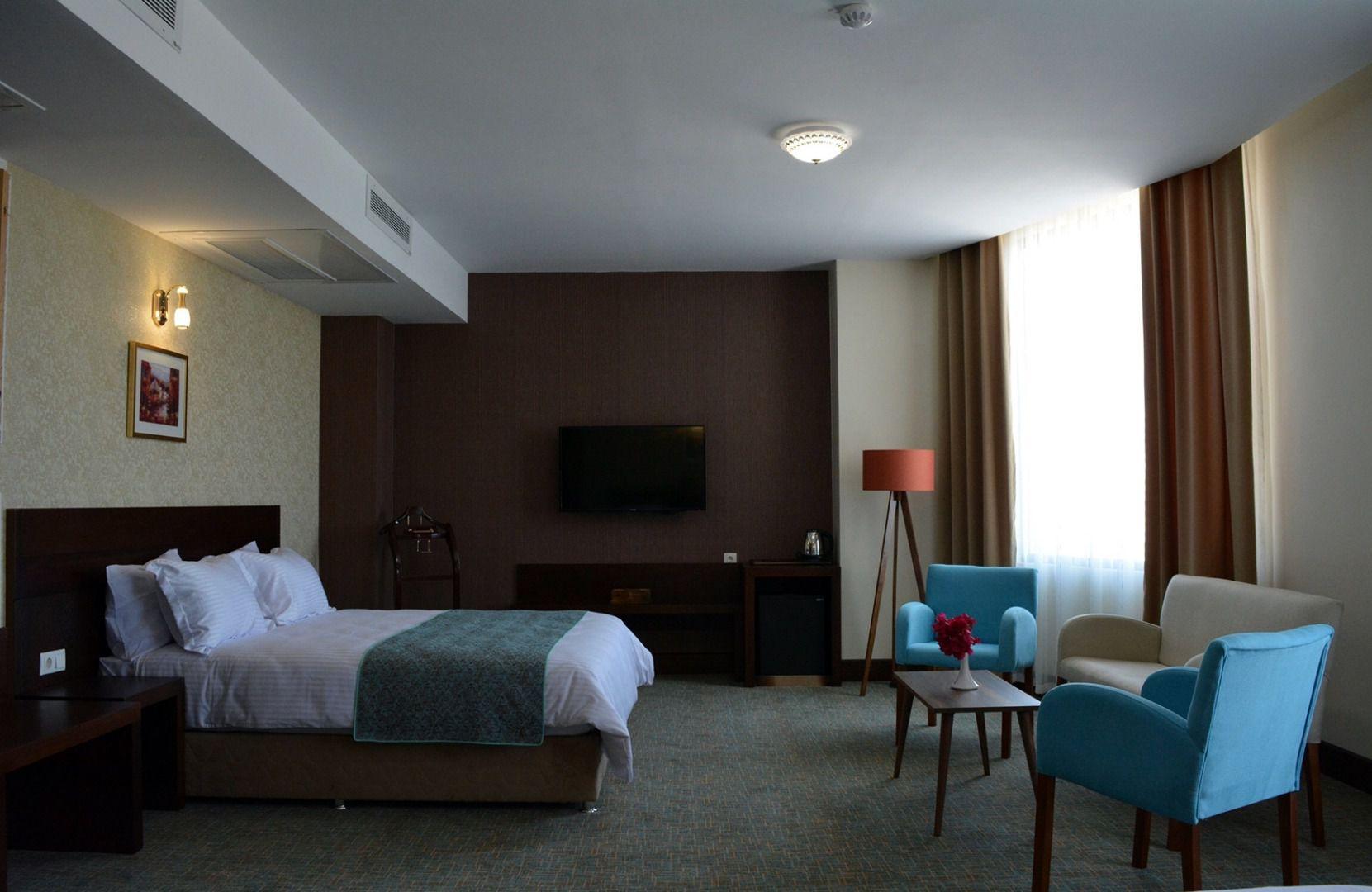تور کیش از مشهد هتل لیلیوم