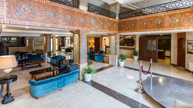تور شیراز هتل ارگ