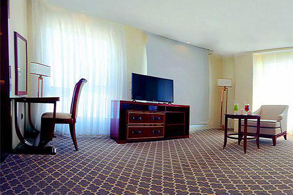 تور کیش از تهران هتل کوروش