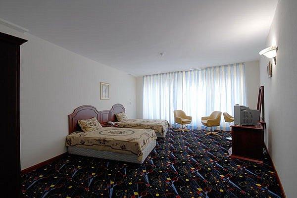 تور کیش هتل بزرگ ارم