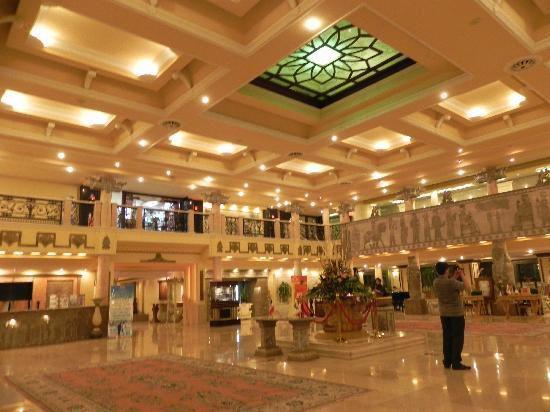 تور کیش هتل داریوش از اصفهان
