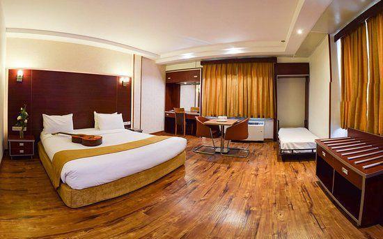 تور اصفهان هتل پیروزی از تهران