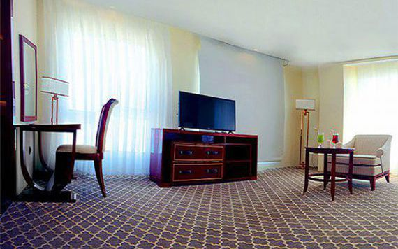 تور کیش هتل کوروش از تهران