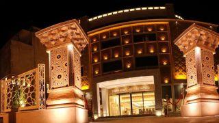 تور شیراز هتل زندیه از تهران | 30% تخفیف هتل 5 ستاره زندیه