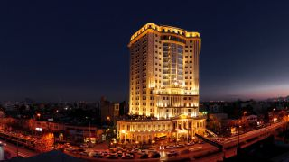 تور مشهد هتل قصر طلایی