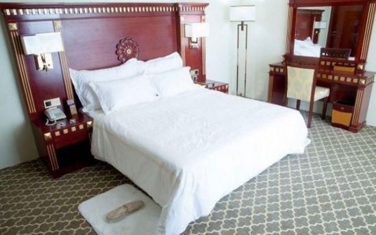 تور کیش از تبریز هتل کوروش