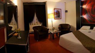 تور اصفهان از مشهد هتل عالی قاپو