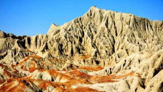 کوه های مریخی چابهار : جلوه هایی از کوه های مینیاتوری با عکس و آدرس