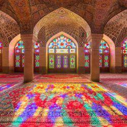 مسجد نصیرالملک شیراز ملقب به مسجد کالیدوسکوپ
