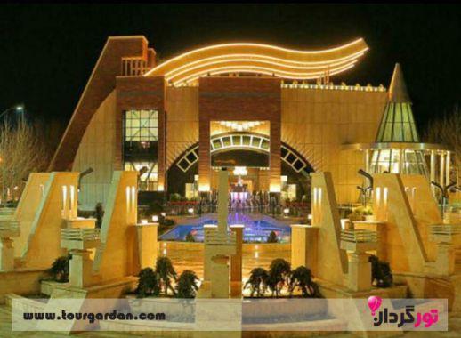رستوران قصر مهرگان شاندیز