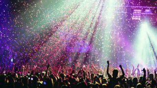 کنسرت در کیش ؛ بهترین و شادترین برنامه برای شب های جزیره