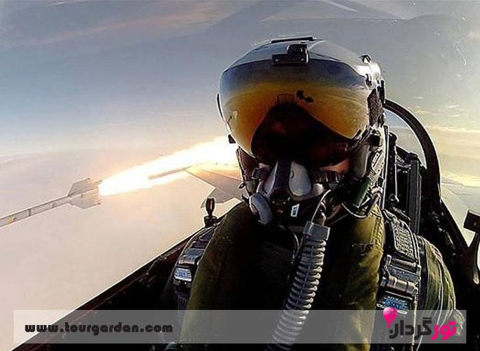Selfie between pilot fighting