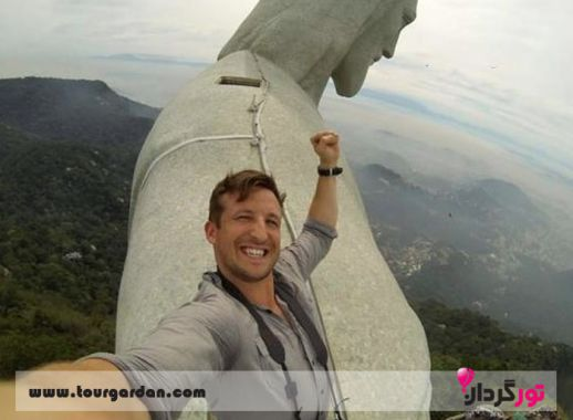 سلفی با مجسمه مسیح در برزیل