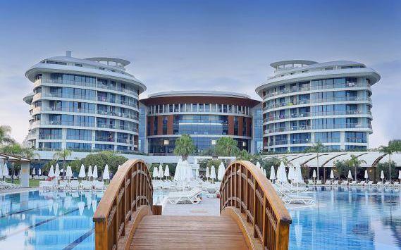 تور آنتالیا هتل لارا هادریانوس از تهران