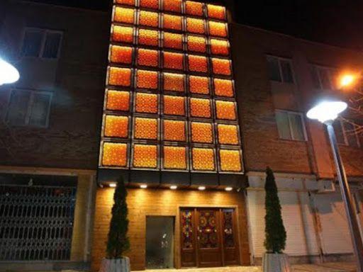 تور اصفهان  از تهران هتل آوین
