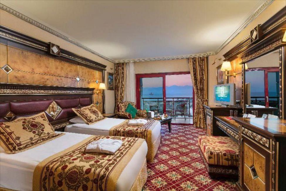 تور آنتالیا کلاب هتل سرا
