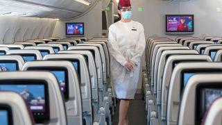 اجباری شدن ماسک و شیلد محافظ صورت در پروازهای قطر ایرویز  | تورگردان