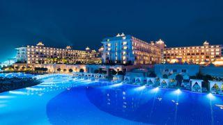 تور آنتالیا هتل تایتانیک دلوکس