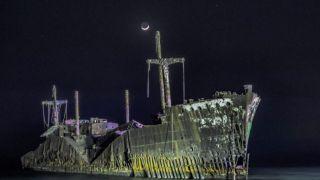 کشتی یونانی کیش ؛ منظره ای که رو به خاموشی است
