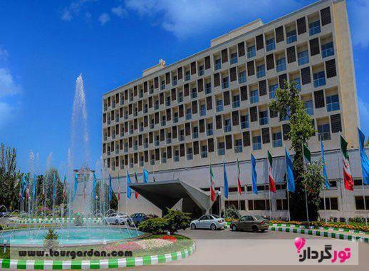 هتل هما در خیابان احمد آباد