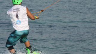 اسکی روی آب در کیش؛ تفریحی مهیج و ارزان قیمت