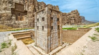 نقش رستم شیراز (هر آنچه قبل از رفتن باید بدانید) | تورگردان