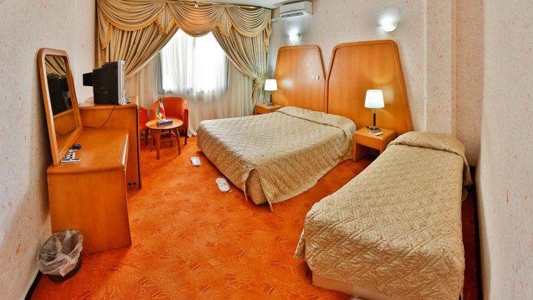 تور چابهار از تبریز هتل لاله