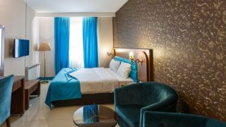 تور شیراز از اصفهان هتل ارگ