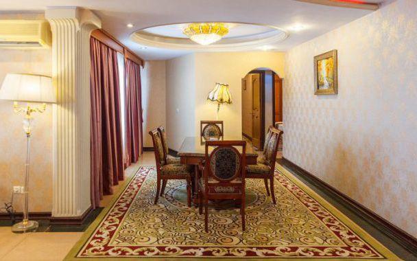 تور کیش از اصفهان هتل پارمیس
