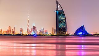 برج العرب دبی (معرفی جاذبه ها و امکانات آن)
