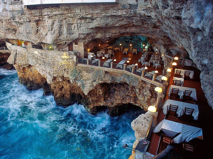 رستوران Grotta Palazzese