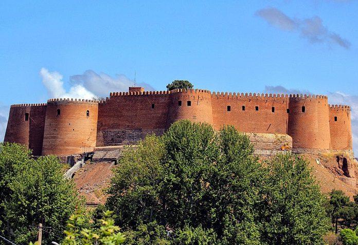 قلعه فلک الافلاک لرستان